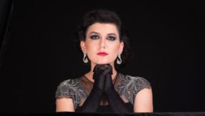 International Performing Artist Yael Rasooly Comes to Don't Tell Mama