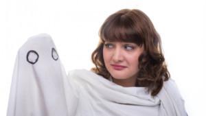 Laura Davis Returns with GHOST MACHINE