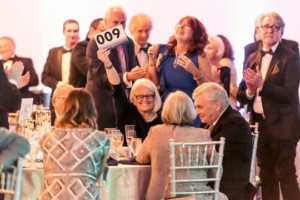 The Naples Players Raise $1.3 Million For Theatre At Sapphire Soiree