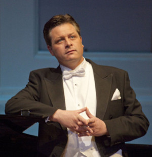 Tenor Anthony Kearns To Perform At The 2018 National Christmas Tree Lighting Ceremony