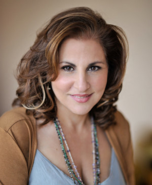 Kathy Najimy Stars In Benefit Reading Of NATURAL SHOCKS By Lauren Gunderson