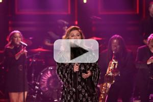 VIDEO: Kelly Clarkson Performs New Song + Sings 'Since U Been Gone' Backwards on TONIGHT