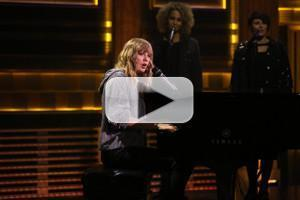VIDEO: Taylor Swift Debuts New Song 'New Year's Day' on TONIGHT SHOW