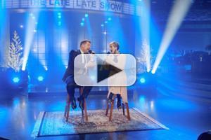 VIDEO: Kristen Wiig & James Corden Struggle with Holiday Duet of 'Hallelujah'