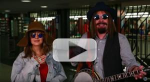 VIDEO: Christina Aguilera Busks in NYC Subway in Disguise