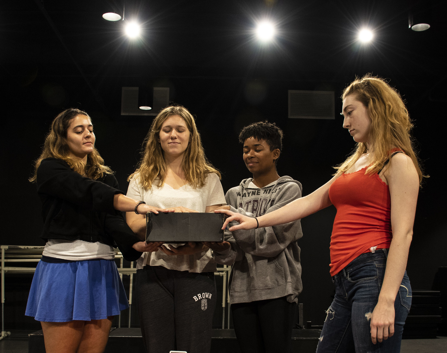 BWW Review: A Blast to the Past in THE SHOEBOX