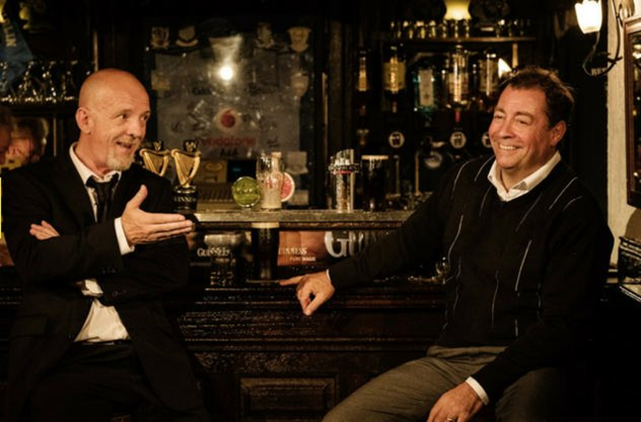 BWW Review: TWO PINTS - Reflection and Mirth at The Abbey Theatre