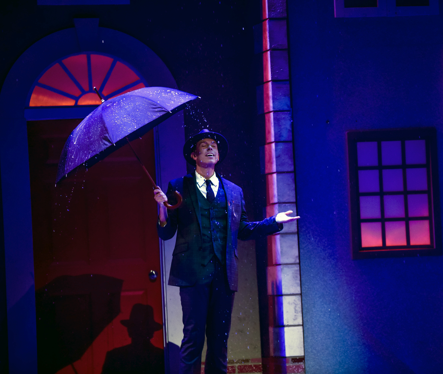 BWW Review: Lyric Theatre of Oklahoma's SINGIN' IN THE RAIN Showers Audiences with Nostalgia and Glam