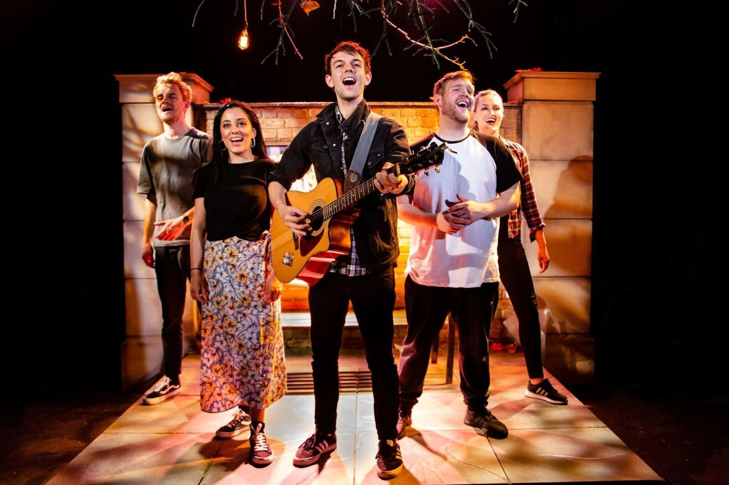 BWW Review: FIVER, Southwark Playhouse