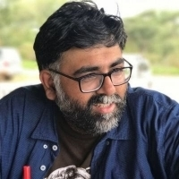 BWW Interview: AKARSH KHURANA Of  Akvarious Productions  On stage adaptation of Khale Photo