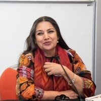 BWW Review: SHABANA AZMI AT HER POWERFUL BEST In Girish Karnad's Broken Images