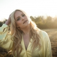 Hailey Whitters Releases Official Video For THE DAYS, Touring with Maren Morris, Bren Photo