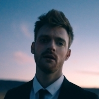 Finneas Debuts Official Music Video For 'I Lost A Friend' Photo