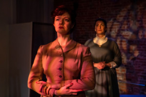 BWW Review: GWEN AND IDA: THE OBJECT IS OF NO IMPORTANCE at Nu Sass At Caos On F