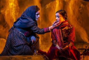 BWW Review: A THOUSAND SPLENDID SUNS, Nuffield Southampton Theatres