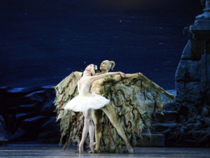 BWW Review: American Ballet Theatre's SWAN LAKE