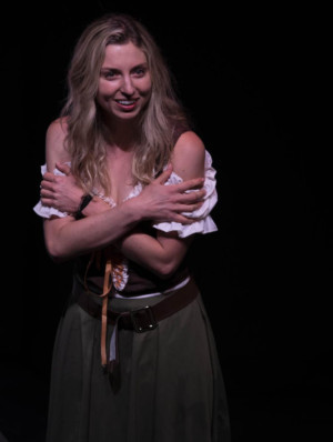 Review: PRETTY, WITTY NELL a Standout Solo Show at Fringe