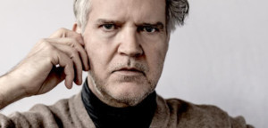 Lloyd Cole Reveals Video For VIOLINS
