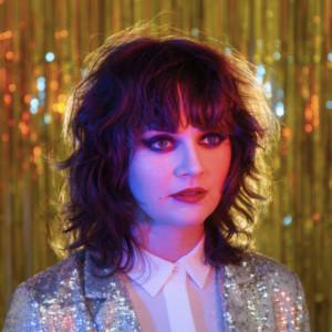 Kate Davis Premieres New Song CLOUD