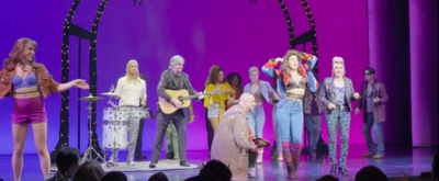 VIDEO: Roy Orbison's Sons Perform 'Oh, Pretty Woman' With the Cast of PRETTY WOMAN