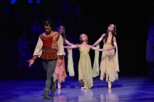 La Compañía Nacional De Danza Regresa Con Carmina Burana, De Nellie Happee, Al Palacio De Bellas Artes