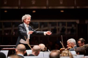 Cleveland Orchestra's Franz Welser-Möst Awarded Gold Medal By Kennedy Center International Committee