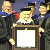 STAGE TUBE: '9 to 5's Dolly Parton Receives Honorary Ph.D.