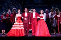 REVIEW: IRVING BERLIN'S WHITE CHRISTMAS comes to the Stage of the Fox Theatre through Dec 27