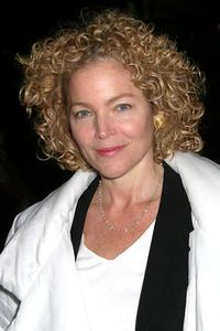 Amy Irving Talks MOTHERHOOD OUT LOUD: 'There's No Avoiding Mothers, Even If You Try'