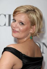 Martha Plimpton Charms in HBO's 'How to Make It in America'