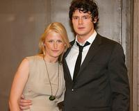 Mamie Gummer Engaged to Stage Actor Ben Walker
