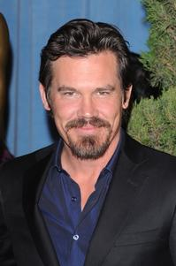 Josh Brolin, Taylor Lautner & Amy Poehler to Present at the 67th Annual Golden Globe Awards