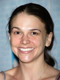 Sutton Foster Guest Stars on 'Law & Order: SVU' March 3
