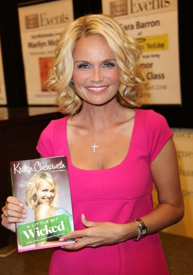 Kristin Chenoweth's  'A LITTLE BIT WICKED' Makes NY Times Bestseller List