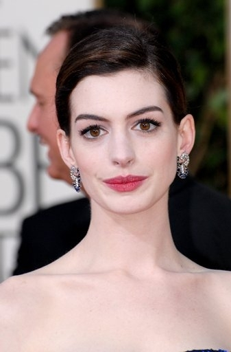 Hathaway Cast as Garland in Stage and Screen Planned 'GET HAPPY'
