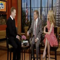 STAGE TUBE: Kiefer Sutherland Visits LIVE WITH REGIS AND KELLY