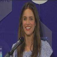 BWW TV: Amanda Peet Introduces New Crest 3D!
