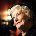 A LITTLE NIGHT MUSIC's Elaine Stritch Featured On Theater Talk 10/22