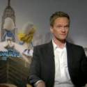 STAGE TUBE: Neil Patrick Harris, Jayma Mays Talk SMURFS Movie!