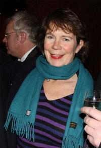 Stephen Unwin to direct Celia Imrie in HAY FEVER At The Rose, Opens Sept 23