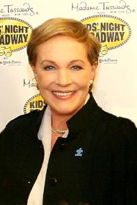 SNEEK_PREVIEW_InDepth_InterView_Julie_Andrews_20010101