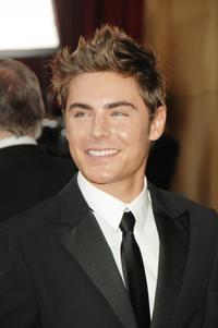Efron Closes in on Nicholas Sparks Film and ROMEO & JULIET Adaptation