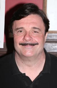 Nathan_Lane_to_Guest_Star_on_Modern_Family_20010101
