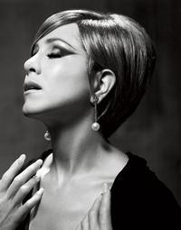 Barbra_Streisand_20010101