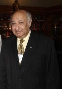 Zarin_Mehta_to_Step_Down_as_President_and_Executive_Director_of_New_York_Philharmonic_20010101