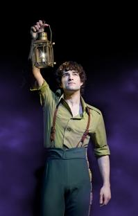 Lee_Mead_Ends_Run_in_WICKED_Feb_5_20010101