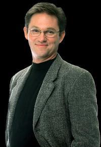 Richard_Thomas_Joins_Public_Forum_20010101