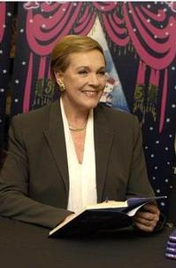 Julie_Andrews_Wins_2011_Grammy_Award_for_Poems_Songs_and_Lullabies_20010101