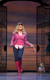 Legally_Blonde_The_Musical_celebrates_at_the_2011_Laurence_Olivier_Awards_20010101