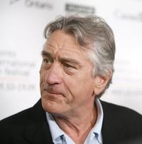 De-Niro-Thurman-et-al-Head-Cannes-Filme-Festival-Jury-20010101